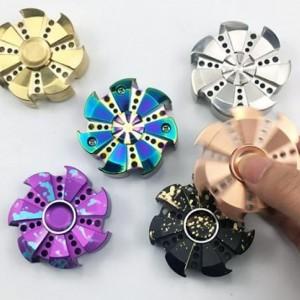 170420-fidget-spinners